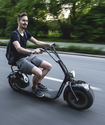 rent an e-scooter and ride freely in Budapest!